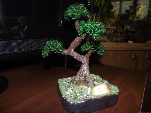 Для всех, кого интересует, как сделать необычное дерево из бисера своими руками, мой мастер .  Подробности.